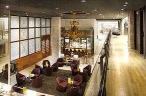 Lobby des Hotel Silken Ramblas mit Bar